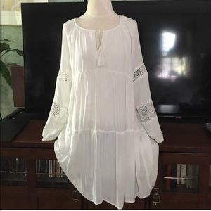 Beautiful fully lined Old Navy Boho Dress w/lace